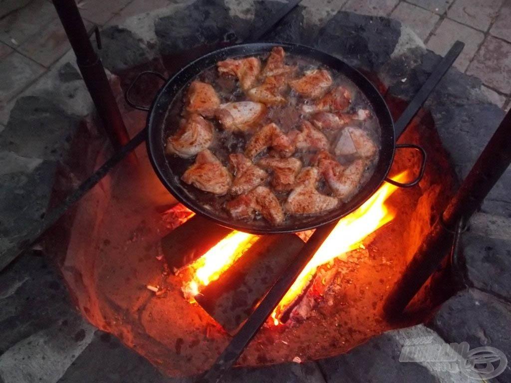 Csirkék a pácban, vagyis a forró olajban…