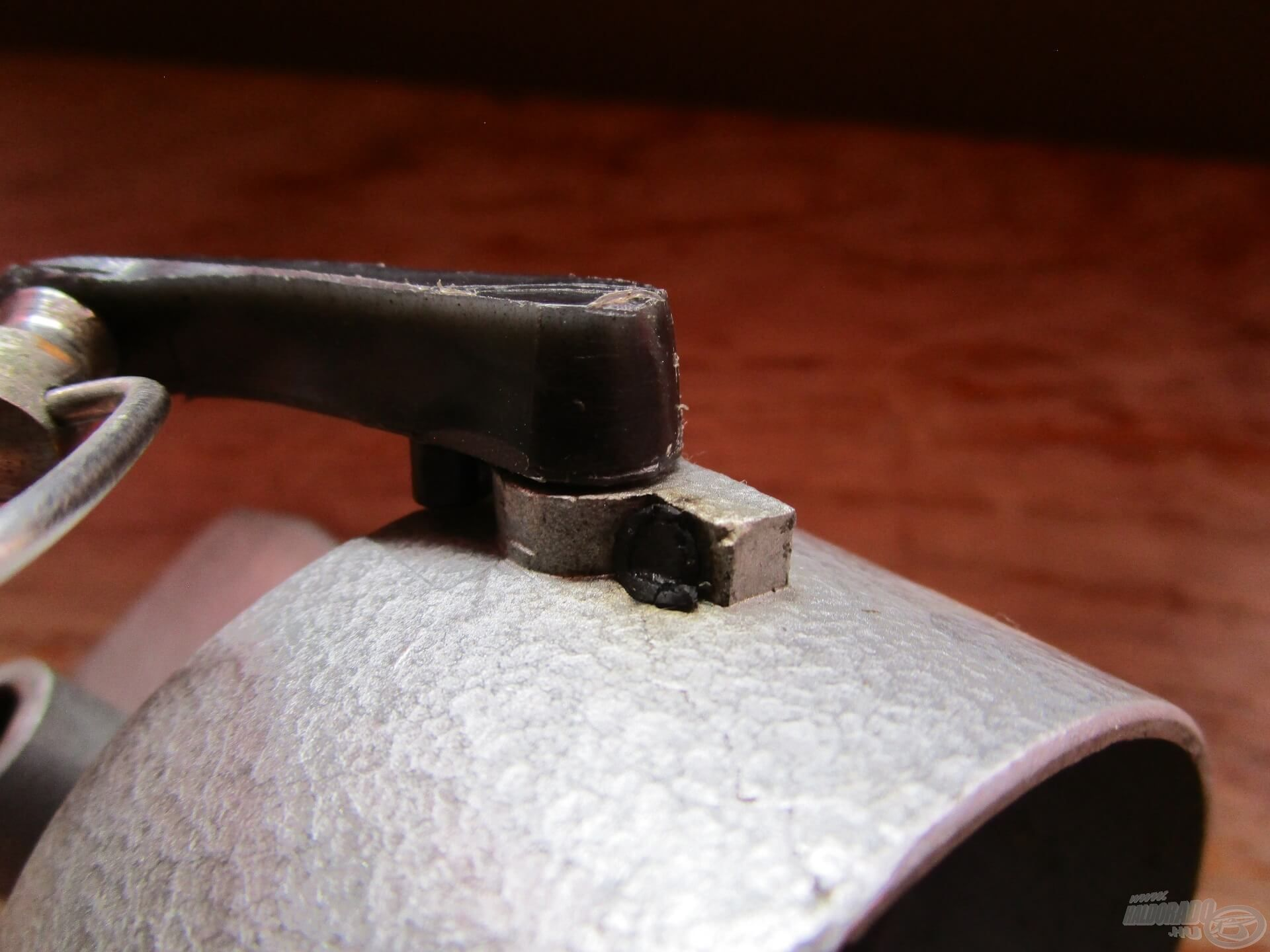 Átváltáskor a felkapókar nagy erővel csapódott vissza, ezért ennek a kis guminak nagyon fontos szerepe volt