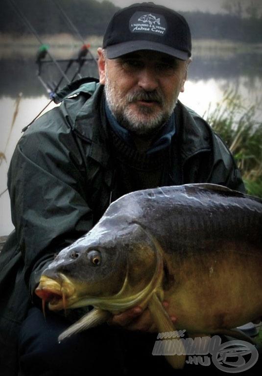 Ez a 11,40-es tükrös volt a túra utolsó és egyben legnagyobb hala. Pazar táncosnak bizonyult