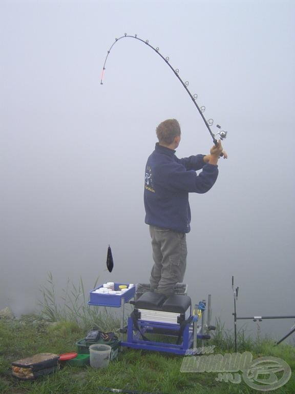 A hatalmas köd más módszerrel igencsak megnehezítette volna a dobótávolságok meghatározását…