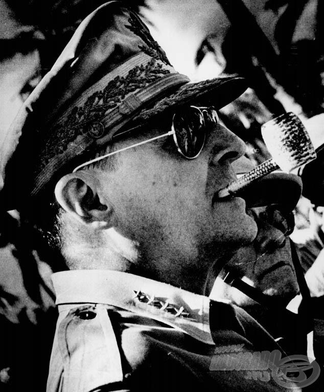 Aki divatot teremtett, MacArthur tábornok