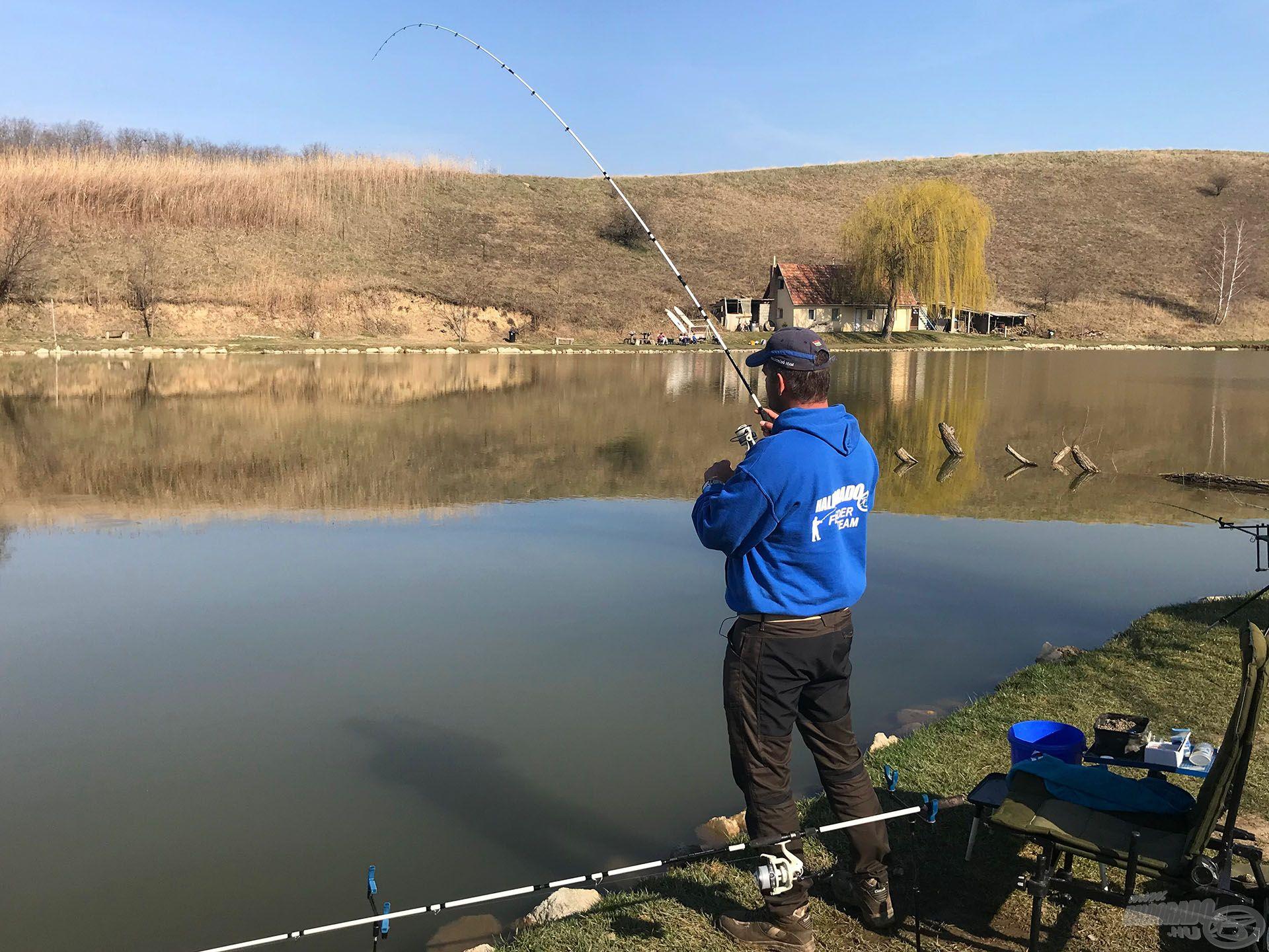Az időjárás kellemes volt, a halak pedig aktívak, igazi tavaszi örömpeca kerekedett a kirándulásból