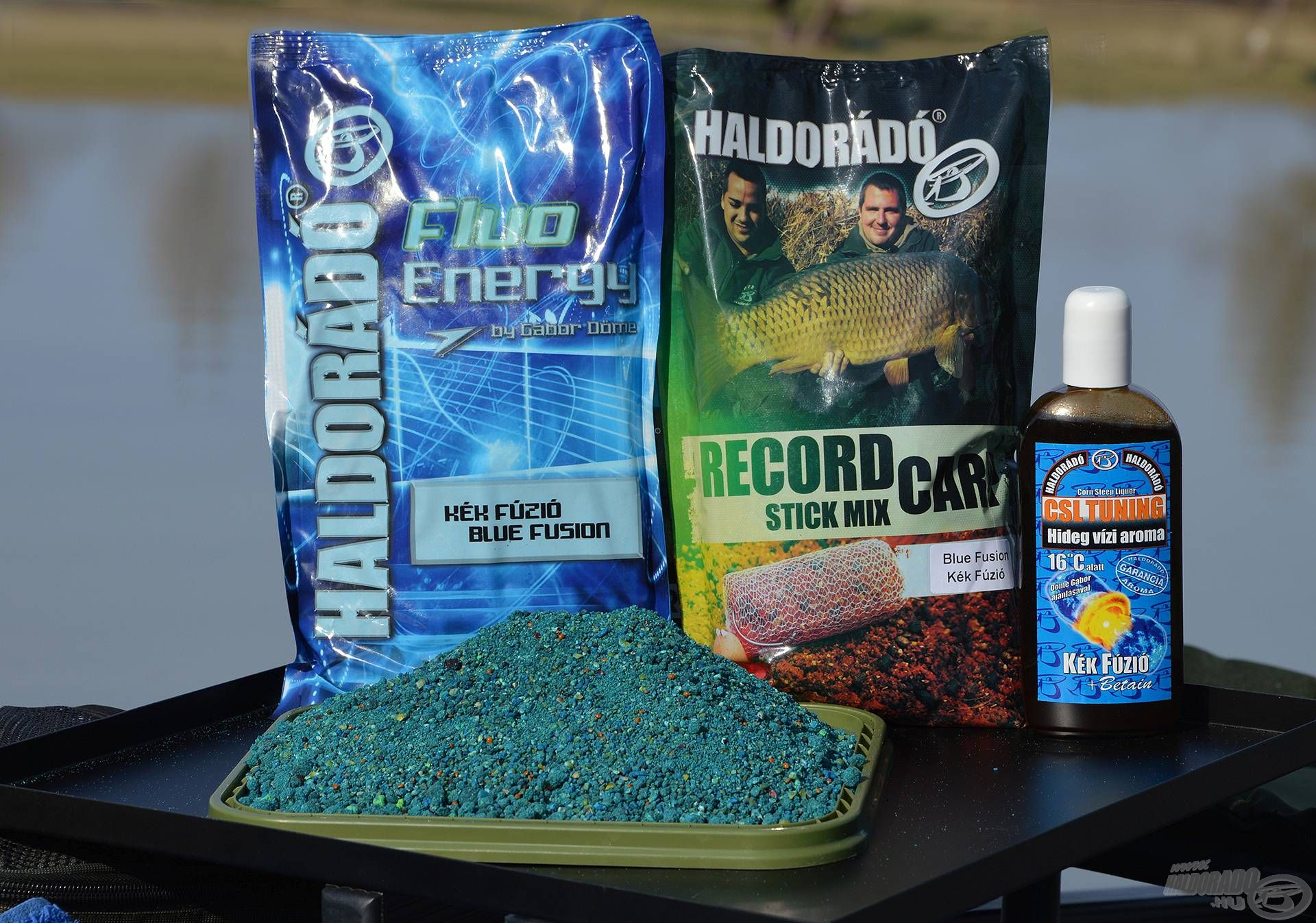 Egyik kedvenc hideg vízi keverékem, mely egyrészt finom szemcsés Fluo Energy Kék Fúzió etetőanyagra…