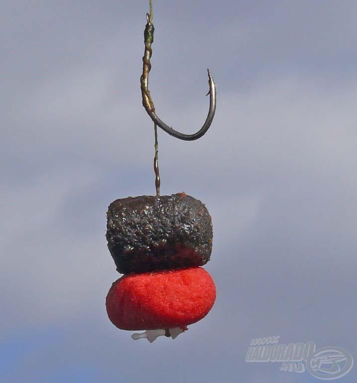 A Pelletes Fekete etetőanyagból kiválogatott, CSL Tuning Tenger Kincse aromával ízesített carp pellet + 1 szem Hybrid Vörös Démon lebegő pellet adta nekem ezen a napon a legtöbb halat