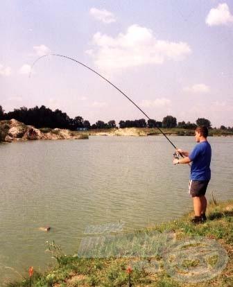 A finomszerelékes technikák alkalmazásával, sokkal több halat sikerült fognom, mint a klasszikus fenekezős módszerrel. Az érzékeny machbot csodálatosan dolgozott