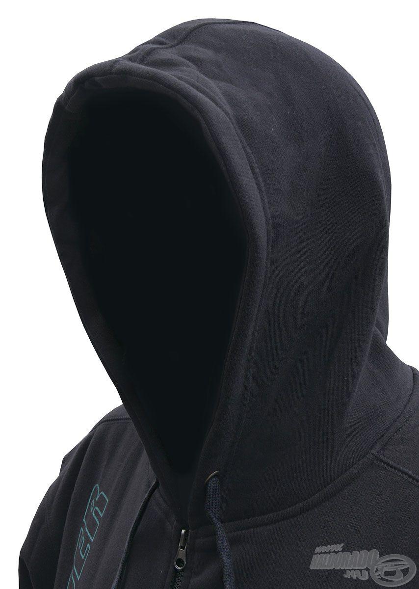 Kapucnis kialakítása védelmet nyújt tarkónknak és fejünknek a széltől, hidegtől