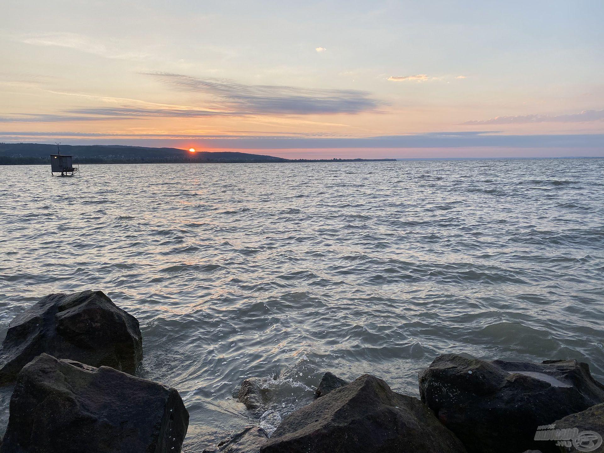 Már kora hajnalban a vízparton voltam