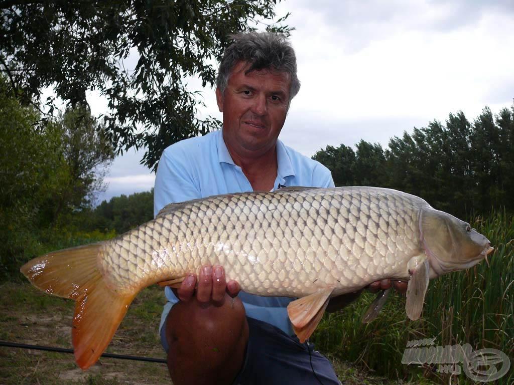 Józsi első hala egy 9,34 kilós nyurgaponty, amely a mint később kiderült a túra legnagyobb hala lett!