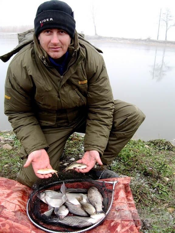 Decemberben, félig befagyott vízből is sikerült kivarázsolni pár halacskát!