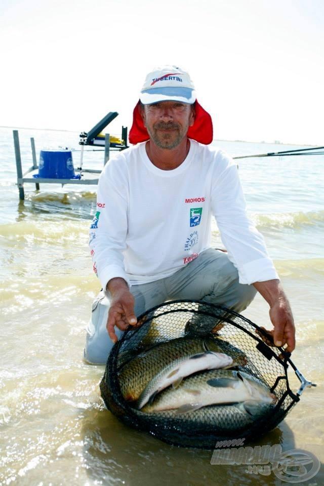 Erdei Attila kiemelkedő fogásokat produkált 80 méterre horgászva az edzésnapokon. Ő dolgozta ki azt a menekülő útvonalat, amely nagy segítségünkre volt, amikor a partközeli horgászat megbicsaklott