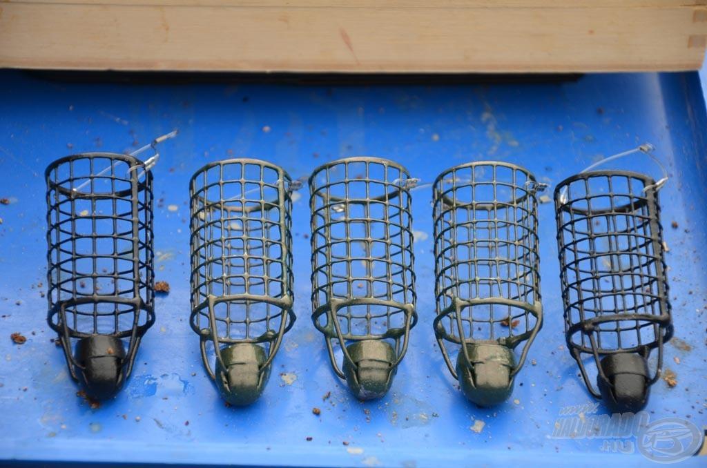 A távoli dobásokat a végsúlyos Long Cast Round Feederkosár biztosítja