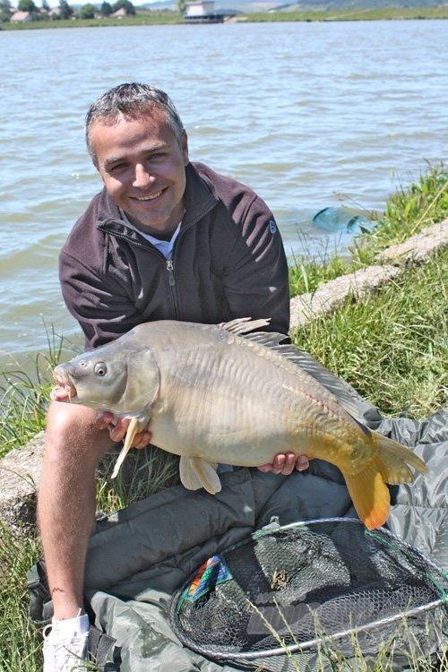 Ricsei Tibor (Blero Team) a 7.480 g-os tükrössel, amely a verseny legnagyobb hala volt