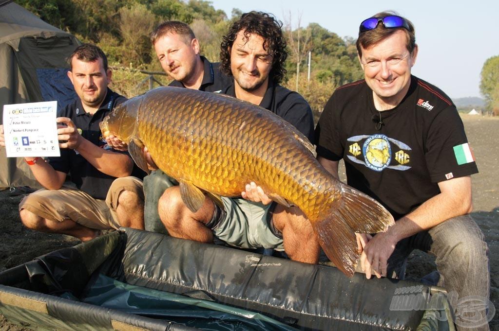 A győzelem mellett ezzel a 22,50 kg-os tőponttyal a verseny legnagyobb halának díját is sikerült elhozni!
