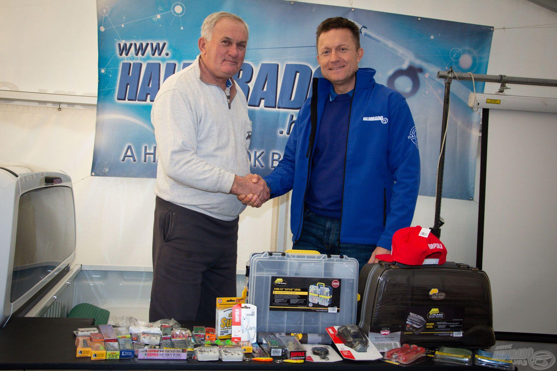 Gratulálunk a vasárnapi fődíj nyertesének, Szalai Antalnak! A nyereménye egy 100.000 Ft értékű Rapala-Sufix-Storm-Plano ajándékcsomag