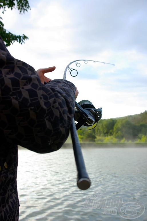 A halak igencsak jó erőben voltak, nemegyszer karikába hajlott a 3,5 lb Nash bot